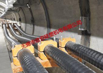 {隧道}220kV西区电厂复合材料电缆支架使用实例